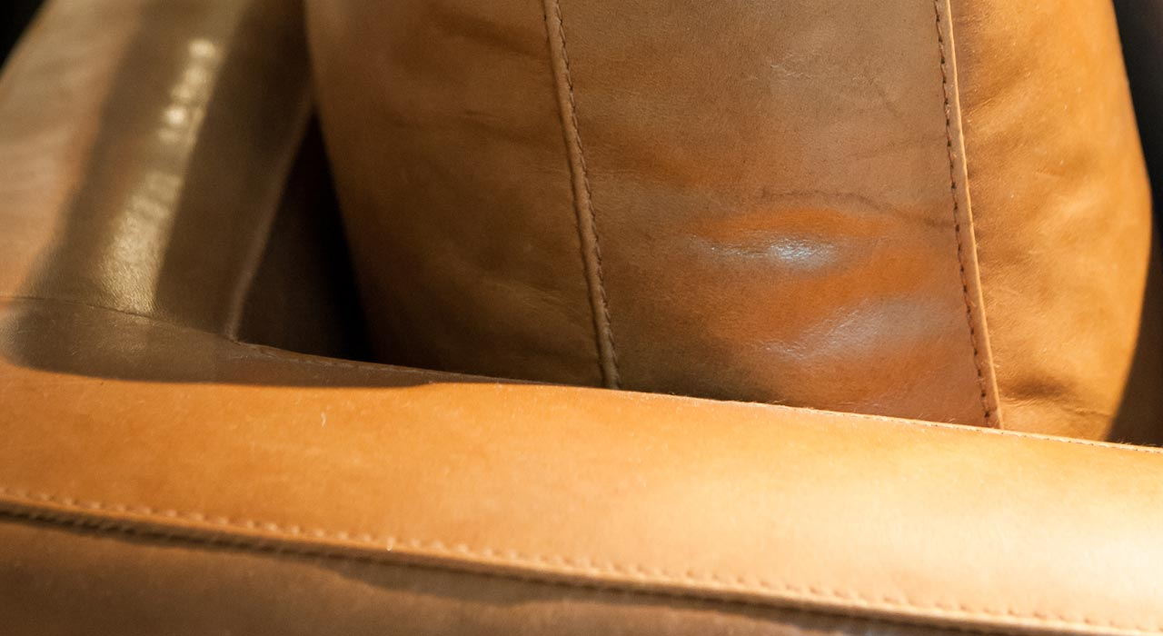 Verona Walnut leather close up