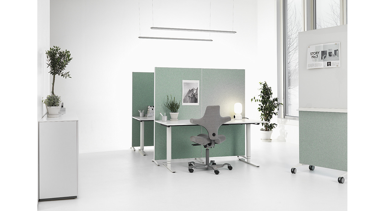alumi combi writing boards office with plants